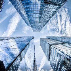 vista de edificios de oficinas altos