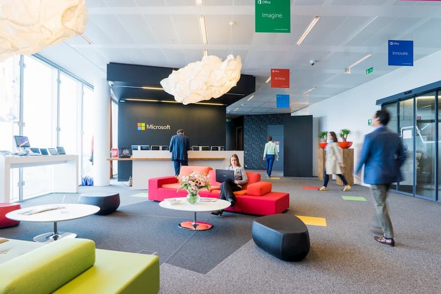 Hall de una oficina moderna